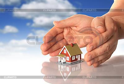 손과 작은 집 | 높은 해상도 사진 |ID 3107387