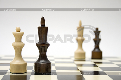 Schach-Dame und König - interrassisches Ehe-Konzept | Foto mit hoher Auflösung |ID 3135740