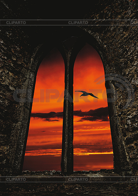Historisches Schlossfenster und Abendstimmung | Foto mit hoher Auflösung |ID 3352693