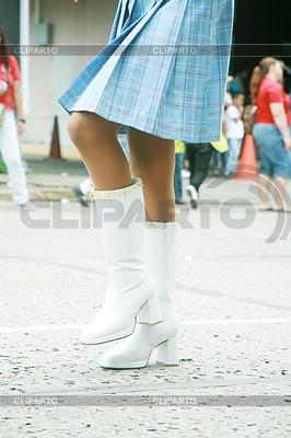 Девушка использованием красивых сапогах на парад | Фото большого размера |ID 3357429