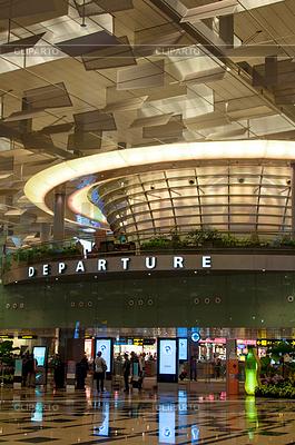 Singapur Airport - Terminal Hall Trzy wyjazdu | Foto stockowe wysokiej rozdzielczości |ID 3380328
