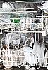 ID 3136779 | Sauberes Geschirr in der Spülmaschine | Foto mit hoher Auflösung | CLIPARTO