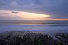 在平静的海洋热带日出 | 免版税照片