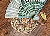 동양 스타일에서 테이블에 발리 팬 | Stock Foto