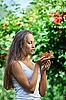 ID 3016780 | Schöne Mädchen mit Schneeball | Foto mit hoher Auflösung | CLIPARTO