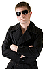 Photo 300 DPI: man in black coat with sunglasses
