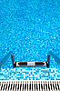 ID 3020485 | Basen z drabiny | Foto stockowe wysokiej rozdzielczości | KLIPARTO