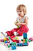 귀여운 작은 소년 다채로운 블록과 재생 | Stock Foto