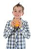 ID 3021973 | Kleiner Junge hält frische Orange | Foto mit hoher Auflösung | CLIPARTO