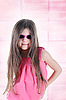 Little long-haired brunette girl in sunglasses | Stock Foto