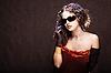 선글라스에서 아름 다운 소녀 | Stock Foto