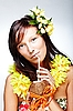 ID 3024307   하와이 액세서리와 함께 아름 다운 이국적인 소녀   높은 해상도 사진   CLIPARTO