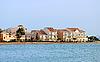 Фото 300 DPI: Корпуса отеля на берегу моря