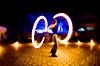 女孩与火,运动模糊 | 免版税照片