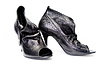 黑色磨砂女皮鞋 | 免版税照片