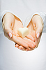 Close-up of hands holding heart | Stock Foto