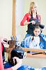 小女孩在理发沙龙 | 免版税照片