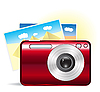 красная фотокамера с фотографиями из отпуска