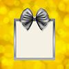 Векторный клипарт: блестящий лук и квадратная рамка коробки на смазанный золотой