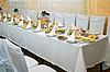 Urządzone świąteczny stół   Stock Foto