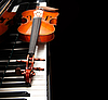 Photo 300 DPI: Violin on the piano
