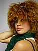 Dziewczyna z kręconymi kapelusz | Stock Foto