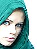 Photo 300 DPI: blue-eyed woman in green linen cape