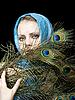 ID 3054217 | Piękna kobieta z pawich piór | Foto stockowe wysokiej rozdzielczości | KLIPARTO