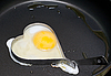 Фото 300 DPI: яичница в железной форме сердечка