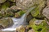 与瀑布山涧 | 免版税照片