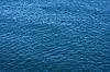 배경으로 리플 푸른 바다 물 표면   Stock Foto