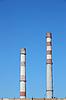 큰 공장의 굴뚝 | Stock Foto