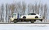 ID 3102088 | Вредитель несет в автомобиле белого цвета | Фото большого размера | CLIPARTO
