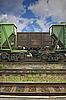 Фото 300 DPI: железнодорожные грузовые вагоны