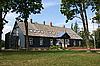 农村的木房子 | 免版税照片