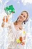 ID 3123668 | Junge Frau wäscht Fenster | Foto mit hoher Auflösung | CLIPARTO