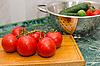 ID 3090997 | 빨간 토마토와 녹색 오이 | 높은 해상도 사진 | CLIPARTO