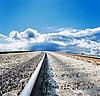 Kolejowe do horyzontu pochmurnie | Stock Foto