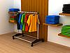 Foto 300 DPI: Kleiderständer mit Kleidern