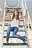 ID 3092744 | Schönes Mädchen sitzen am Flugzeug-Gangway | Foto mit hoher Auflösung | CLIPARTO