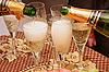 香槟和眼镜 | 免版税照片
