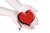 双手捧着心,爱或医疗概念 | 免版税照片