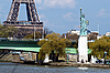 Photo 300 DPI: Statue of liberty and Eiffel tower in Paris
