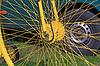 黄色的自行车轮 | 免版税照片