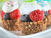 Delicious fresh berry cake garnished | Stock Foto