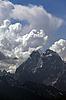 Góra Ushba w chmurach, Kaukaz | Stock Foto
