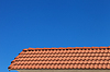 기와 지붕과 푸른 맑은 하늘 | Stock Foto