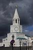 喀山克里姆林宫对暴风雨的天空塔 | 免版税照片