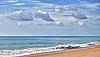 Olas en la playa | Foto de stock