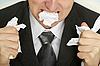 Empresario furioso romper el papel | Foto de stock